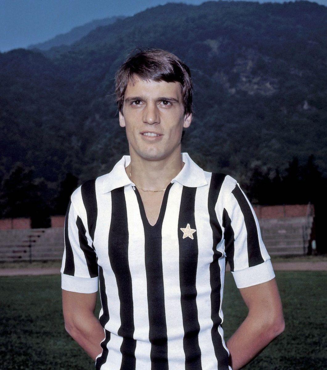 Marco Tardelli – Schizzo Un nomignolo romanesco quello che Luciano Spinosi aveva dato a Tardelli, bandiera bianconera, poiché era abbastanza magro. Fonte: Wikipedia